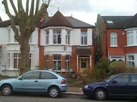 1 bedroom flat in Ulleswater Road, Southgate