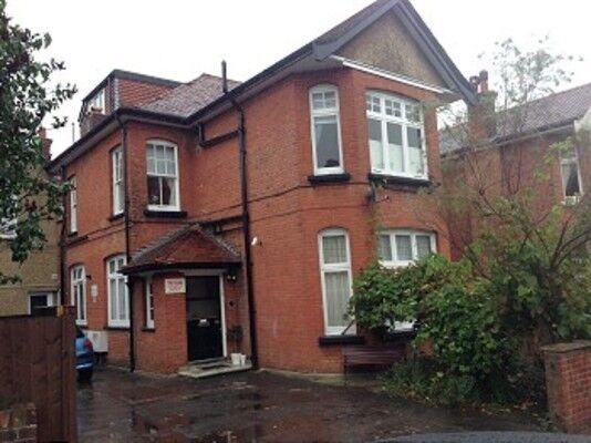 1 bedroom flat in Elm Park Road, Winchmore Hill