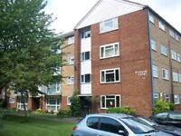 Studio flat in Windsor Court, Southgate