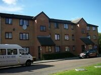 1 bedroom flat in Streamside Close, Edmonton