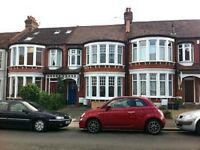 1 bedroom flat in The Crest, Palmers Green