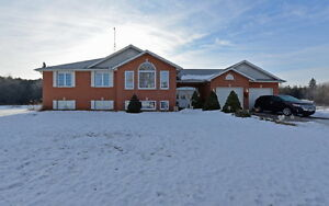 Park Like Setting, 2011 8th Line, CAMPBELLFORD. $459,000