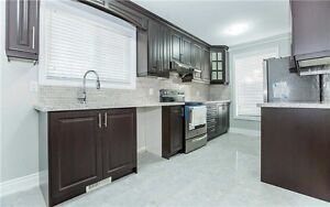 Very Spacious Detached 3+1 Bed 3 Bath Large 3 Level House