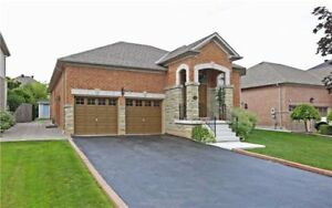 Detached House for Sale in Markham at River Bend Rd