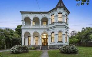 Huge Furnished Room in Stunning Heritage Artist Manor - Box Hill!