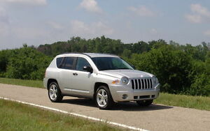PRICE REDUCED 2009 Jeep Compass *Low km*