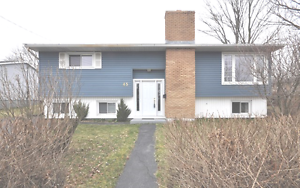 14-096 Well maintained family home in Woodlawn!