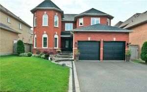 FULLY FURNISHED 4 BEDROOM SPACIOUS HOUSE SHORT TERM RENT IN AJAX