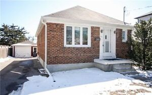 Charming 2+2 Bedroom Bungalow- Royal York/ The Queensway