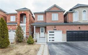 Spacious Semi-Detached For Sale In Meadowvale Village!