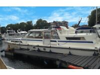 "Central London ""Residential"" Mooring with 2 Bed 2 Bath Houseboat"