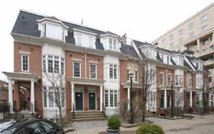 Live In The Heart Of King West In This Modern Townhouse With Pan