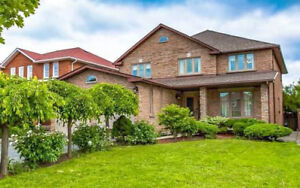 Large 3000sqft Vaughan Family Home - 4 Bedrooms  w. 6 Parkings