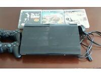 Ps3, 2 controller's, HDMI, charger, AV multiple out + 3 games