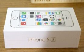 Apple iPhone 5s 16gb - Silver in a Box with all the Accessories - SIM FREE UNLOCKED - XMAS OFFER