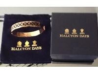 Beautiful ladies Halcyon Rose Gold & Black hinged bangle BNIB and dust bag