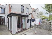 Double bedroom, someone needed to move in. 6 room, modern house, round the corner from roath park