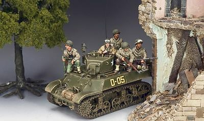 """KING AND COUNTRY  WW11 D DAY  """"M3A3 STUART TANK""""   dd224"""