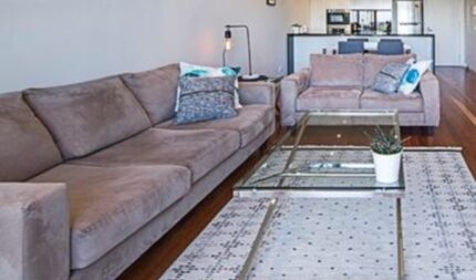 Lounge set - modern 2 and 3 seater in almost new condition