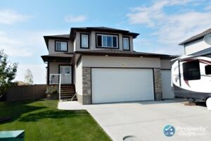 1925 sq ft two storey, 4 bed/3.5 bath home