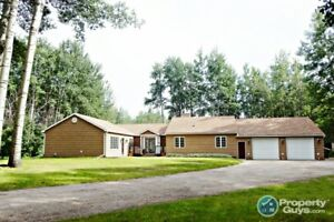 Absolutely beautiful Rancher with attached double garage!