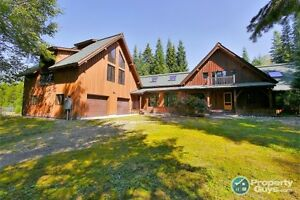 Renovated home on 17 private acres in Castlegar Sign #198029