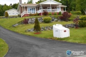 Waterview 4 bed/3 bath bungalow, 3000sf of space