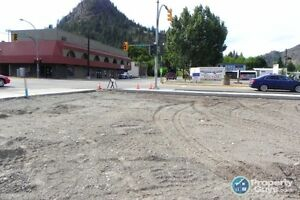 Commercial lots with great location in Grand Forks ID 197231