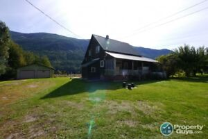 Waterfront organic winery + 4 bed home Thrums Castlegar  197920
