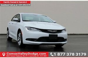 2015 Chrysler 200 S SUNROOF, HEATED FRONT SEATS & STEERING WH...