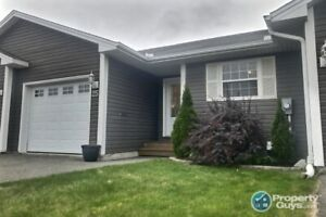 Gorgeous garden home with 3 bdrm/2 bath & lots of space!