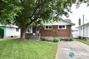 For Sale 744 Grey Crescent, Thunder Bay, ON