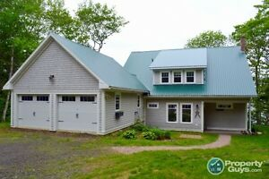 5+ acre, waterfront property, 20 mins from Digby
