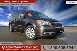 2016 Chrysler Town & Country Touring w/ Backup Camera