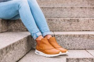 Nike Air Max Thea Mid Booties