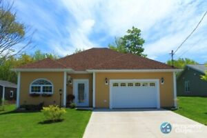 Open concept meticulous 6 year home close to amenities!