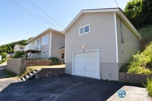 Cozy 3 br minutes from Corner Brook, Waterview!