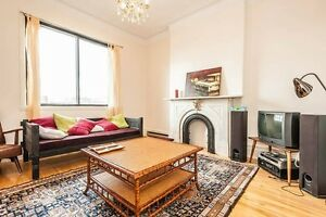 GREAT NDG CONDO, STEPS FROM MUHC GLEN SITE
