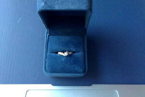 Spence Diamonds Engagement Ring, Size 6, So Beautiful, look!