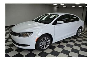 2016 Chrysler 200 S S - 2 LEFT**LOW KMS**HEATED LEATHER**U-CO...