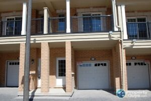 Beautiful townhouse 4 bedroom North Oshawa - PRICED TO SELL!