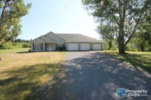 Greenhill - Set on 1.59 acres, ideal 1 level private home