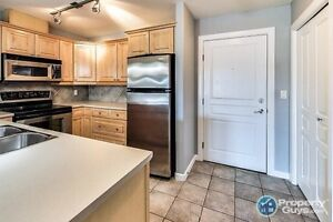 Perfect 1 bed/1 bath condo with so much to offer!!