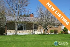 NEW LISTING! Nice, quiet neighborhood, 3 bed, move in ready!