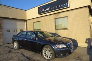 2011 Chrysler 300 Limited Navagation, Panoramic roof, Tons of...