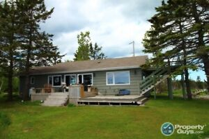 Beautiful oceanfront home on the shores of Mira Bay