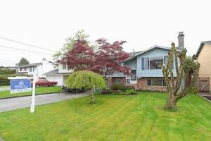 $2500 / 4br - 2400ft2 - Large 4 Bedroom House (Aldergrove)