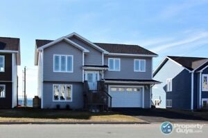 Waterfront home in CBS. 4 bed/3 bath & a spectacular view!