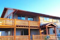 Custom 2 Story Home with stunning mountain views in Fernie