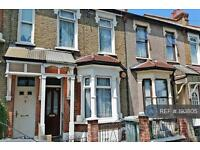 2 bedroom house in Hatherley Gardens, London, E6 (2 bed)